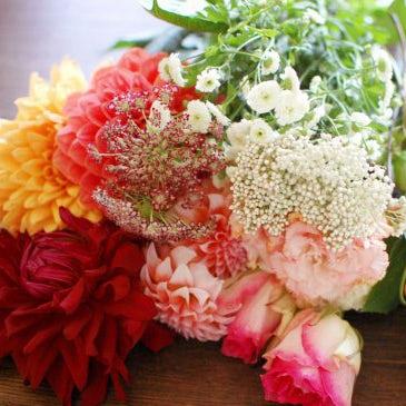 【特集 花屋のまかない】第5話:金曜日の夜は花を買って帰ろう。