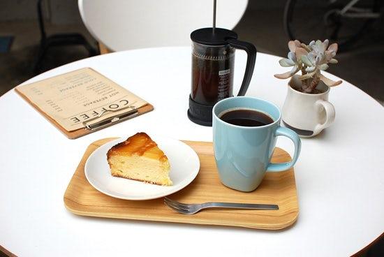 連載 OYATSUYA 通信 第一回:今日のコーヒーと季節のおやつ