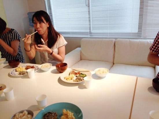 【クラシコムの社員食堂】席についてから気づくこと。