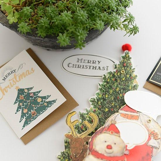 【スタッフコラム】クリスマスらしさがUPする、赤と緑の小物たち。