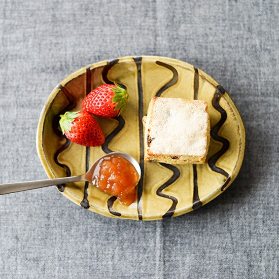 【新商品】由緒正しきスリップウェアでモダンな食卓をつくる。