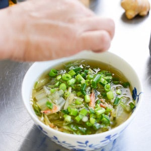 【特集|ぽかぽか生姜レシピ】第3話:からだの芯から温まる、生姜の中華風スープ。