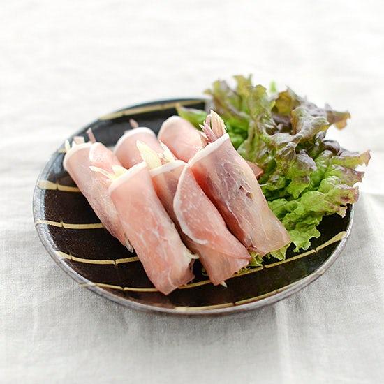 【料理家さんの定番レシピ】薬味とハーブの夏おかず、みょうがの生ハム巻き