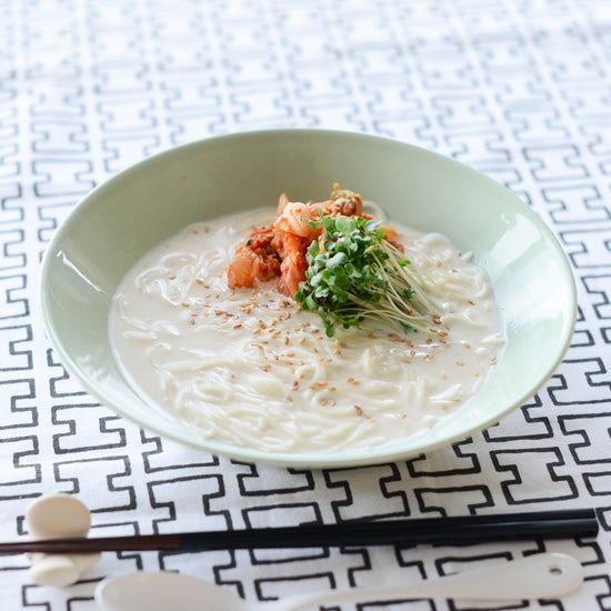 【夏バテ解消レシピ】韓国の冷たい豆乳麺・コングクス