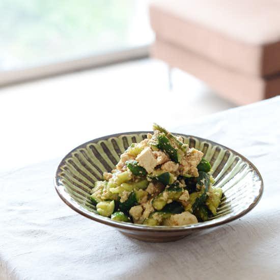 【特集 子どもと食しごと】第2話:食しごと初チャレンジに!たたききゅうりのサラダ