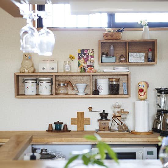【スタッフ渡邉のお宅訪問】第4話:キッチンも、飾りながら収納中。お買い物をとおして見えてきた、変わらない好み。