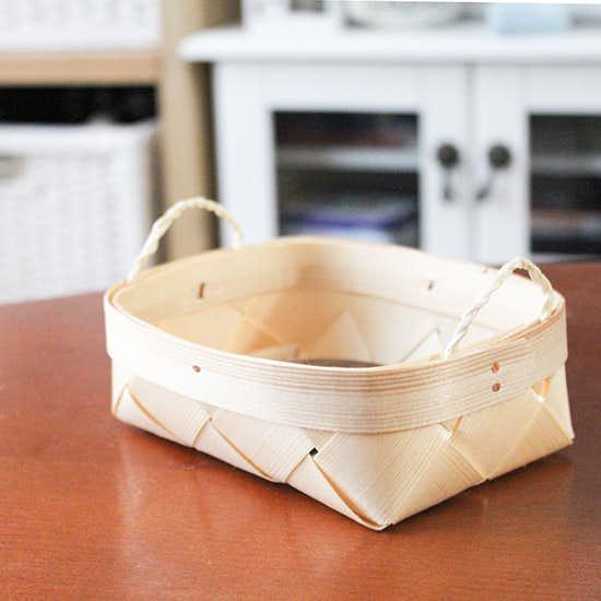 【スタッフの愛用品】キッチンやデスク周りで。こまごましたモノをまとめる小さなバスケット。