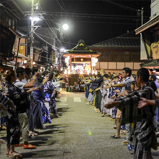 【お出かけコラム】徹夜で盆踊り!岐阜県・郡上八幡の「郡上おどり」で420年の歴史を体感する旅