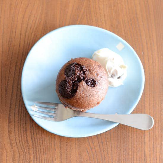 【発酵いらずの手作りパン】バレンタインに作りたい、チョコレート蒸しパンのレシピ