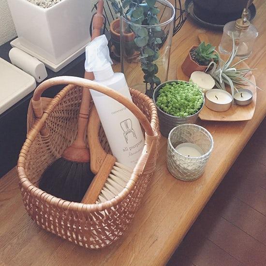 【バイヤーのコラム】見せる収納でストレスフリー、わたしの家の掃除道具。