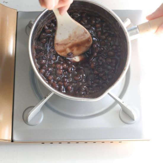 【はじめての和菓子】冷凍保存もOK!トーストにぴったりの自家製つぶあんレシピ。