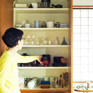 【インテリア特集】第4話:食器棚からみる暮らし。毎日使いたい定番は?(引田さん夫妻)