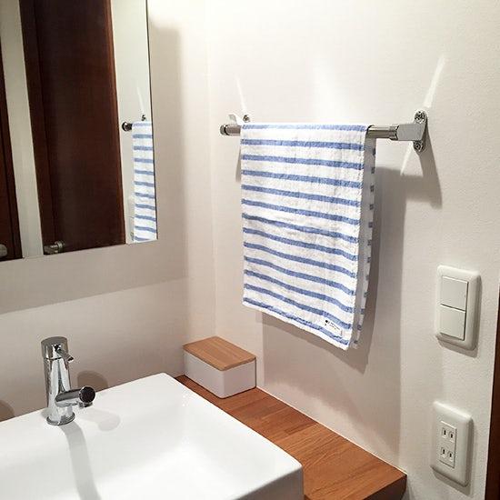 160530bathroom_clean_staff_1