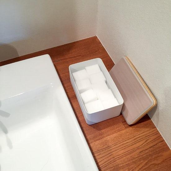 160530bathroom_clean_staff_2