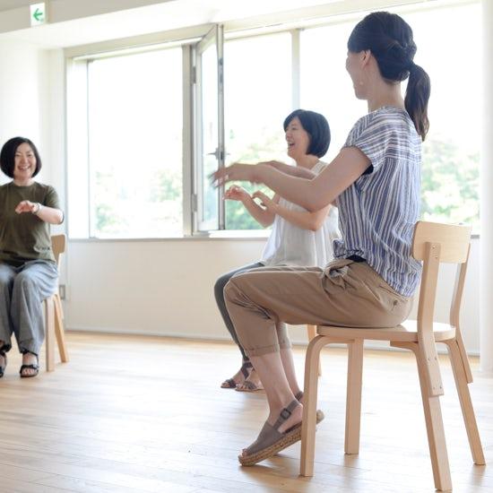【座ったままできる運動】第3話:スキマ&ながらで続ける、体を整えるシットビクス。