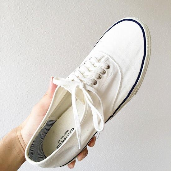 【スタッフコラム】スニーカーを白くしたい!意外なものを試してみました。