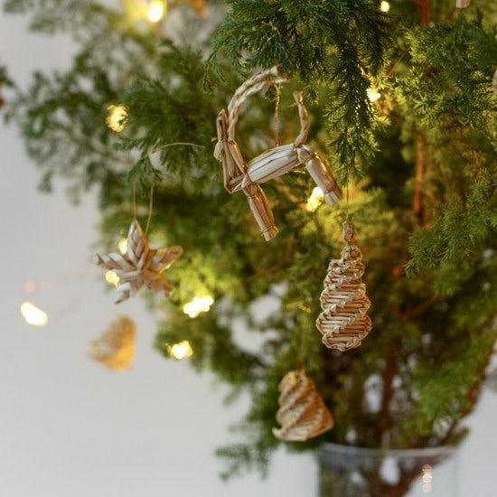 【新商品】クリスマス支度にワクワク♪お菓子のようなオーナメント見つけました。