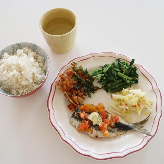 【クラシコムの社員食堂】桜と菜の花に合わせた器で春気分!