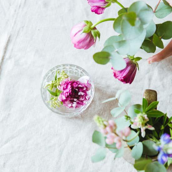 【花と暮らそう、春】第4話:元気がなくなったお花の「生け直し方」って?
