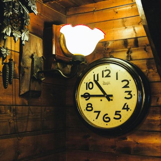【木曜日になったら、純喫茶】ひとり時間に。春の終わりに行きたい、時計がとまった純喫茶。