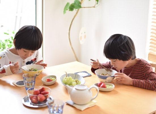 【朝の過ごし方】小学生の兄弟を育てながら、自宅で働くママの朝じかん(繁本亜希子さん)