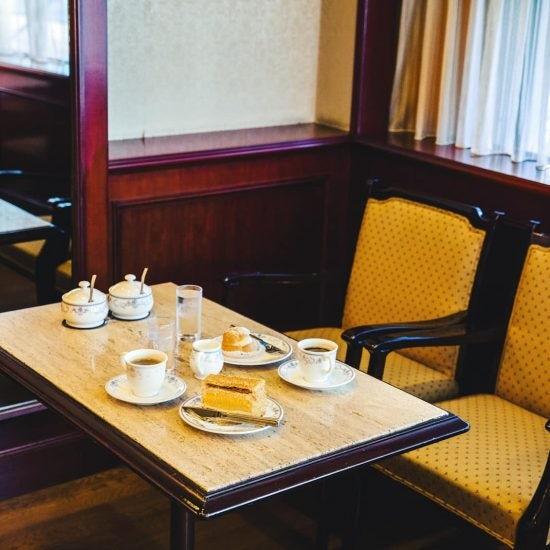 【木曜日になったら、純喫茶】モンブランで秋を味わう、贅沢空間の喫茶店へ。