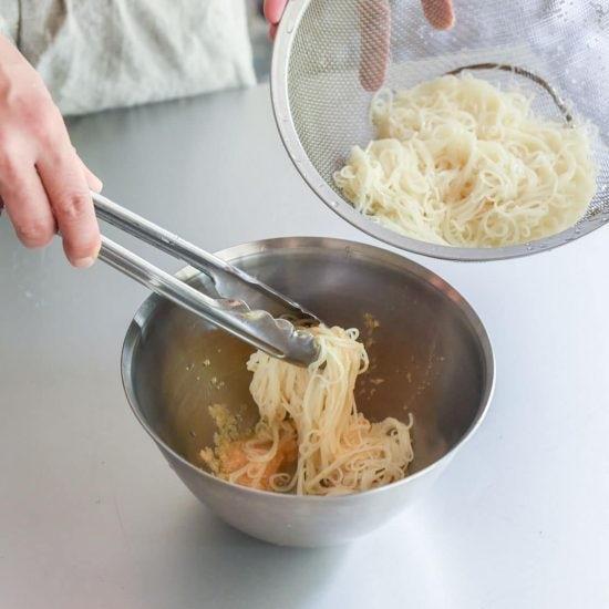 【料理家さんの定番レシピ】第7話:クセになる味!そうめんで作る「明太パスタ」