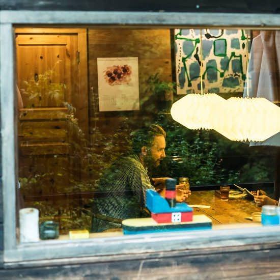 【フィットする暮らし】第3話:「カーテンはいらない」イェンセンさんにきく、ヒュッゲな空間の作り方