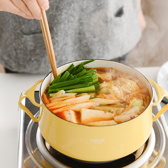【スタッフのアイデア帖】今日の晩ごはんは、お鍋に!寒い季節に恋しくなる、当店の「鍋レシピ」