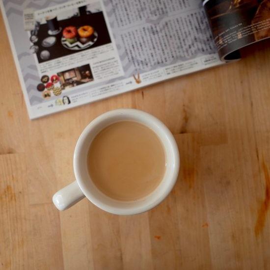 【23時の、僕とおやつ】お店の味を再現!体も心も温まる「黒糖コーヒー牛乳」の作り方。