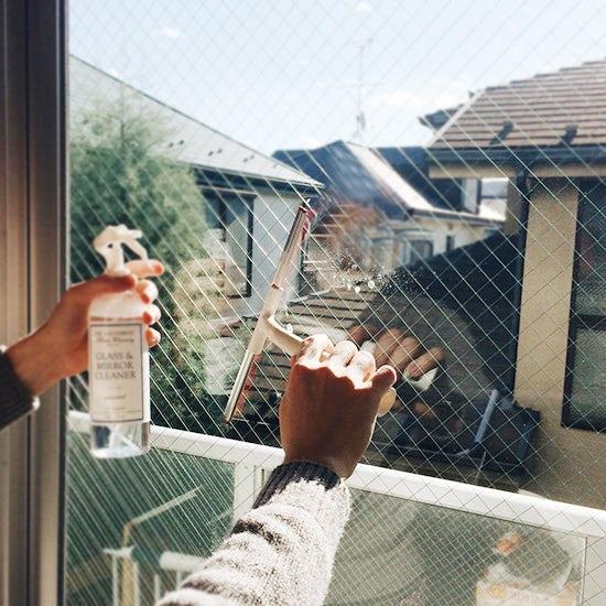 【スタッフコラム】大掃除は窓から