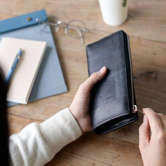 【新商品】来年のお財布はコレに決定!軽やかで大容量「栃木レザー」の長財布。
