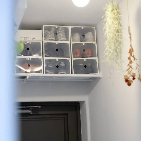 悩み解消!玄関は狭いけど、靴収納にデッドスペース活用する