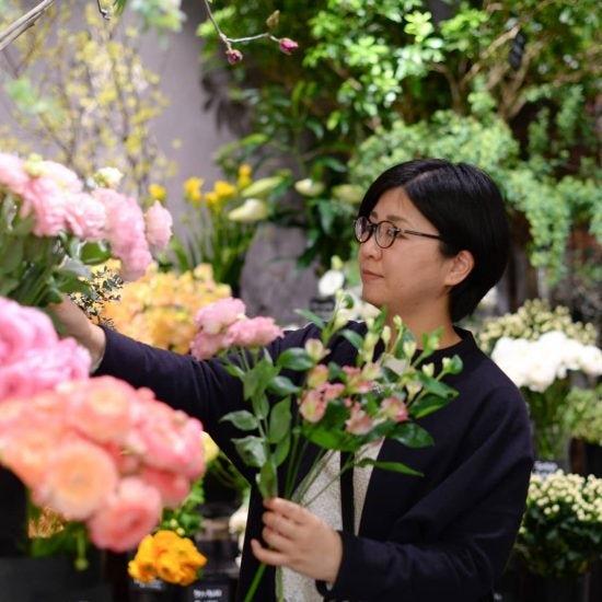 【今日のクラシコム】オフィスは春らんまん!スタッフのお花選びについて行ってみました