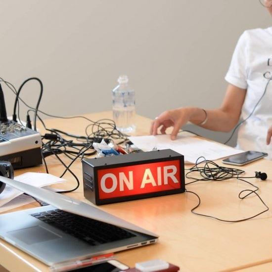 【店長コラム】ラジオをはじめて改めて学ぶことになった「しごと」のあり方。(ライブ配信のお知らせもあり!)