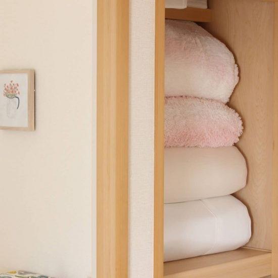 【押し入れ収納のコツ】毎朝きれいにはしまえない...!悩める「布団」の収納方法