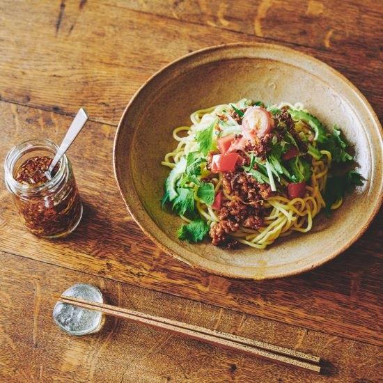 【わが家のびん詰めvol.1 辛いはおいしい】第2話:暑い夏のお昼ごはんは「肉味噌のあえ麺」で決まり