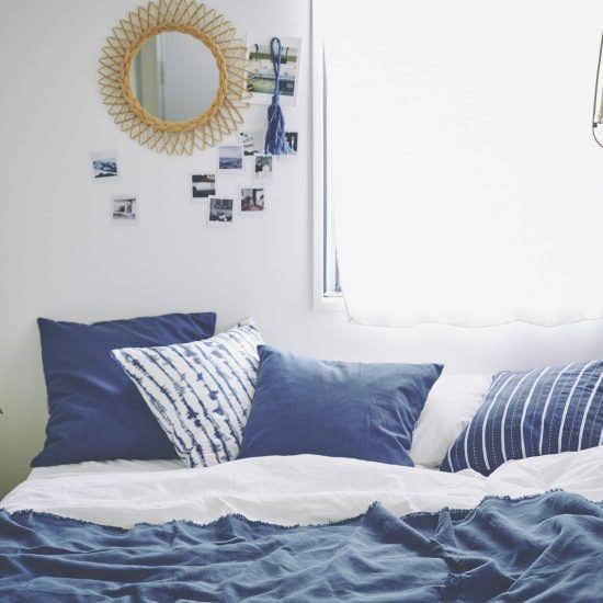 【BRAND NOTE】ブルーで涼やかに!夏の「寝室インテリア」を、イケアで模様替えしてみました