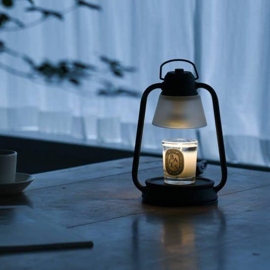 【新商品】頑張る自分にひと休みの時間を。火を使わずキャンドルが楽しめるウォーマーランプ。