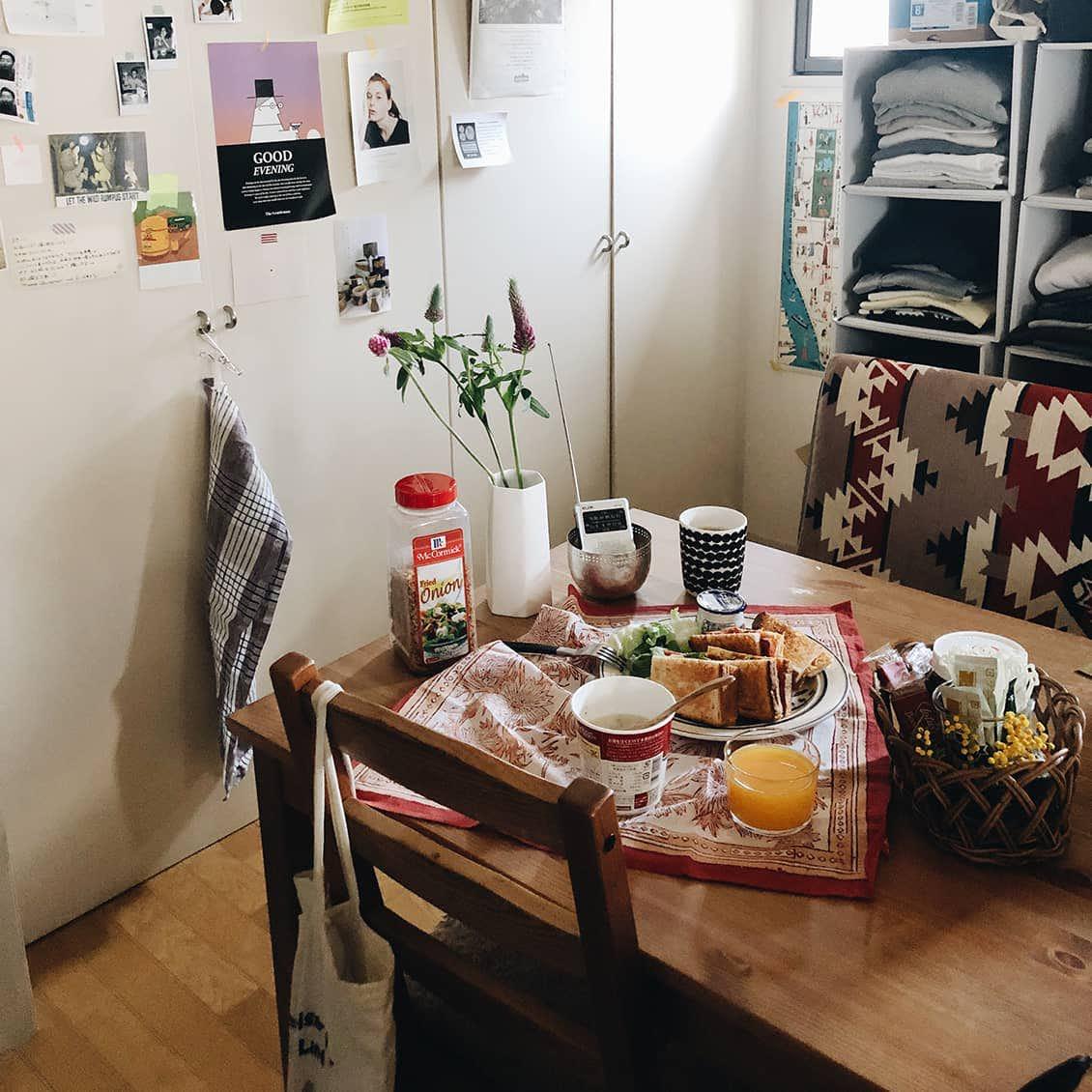 【わが家の朝支度】憧れの映画みたいに!夫婦2人、花と朝食で彩る朝