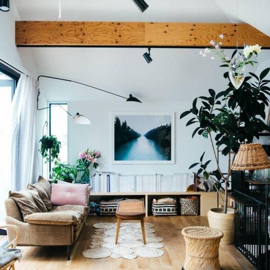 【訪ねたい部屋】第1話:日当たりが少ない1階を寝室に。1戸建てに住む、渡辺家のインテリアを拝見しました