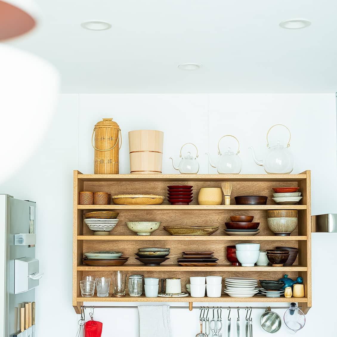 【小さな家のインテリア】第2話:「機能性」も「ときめき」も。小さなキッチンの、大きな魅力って?