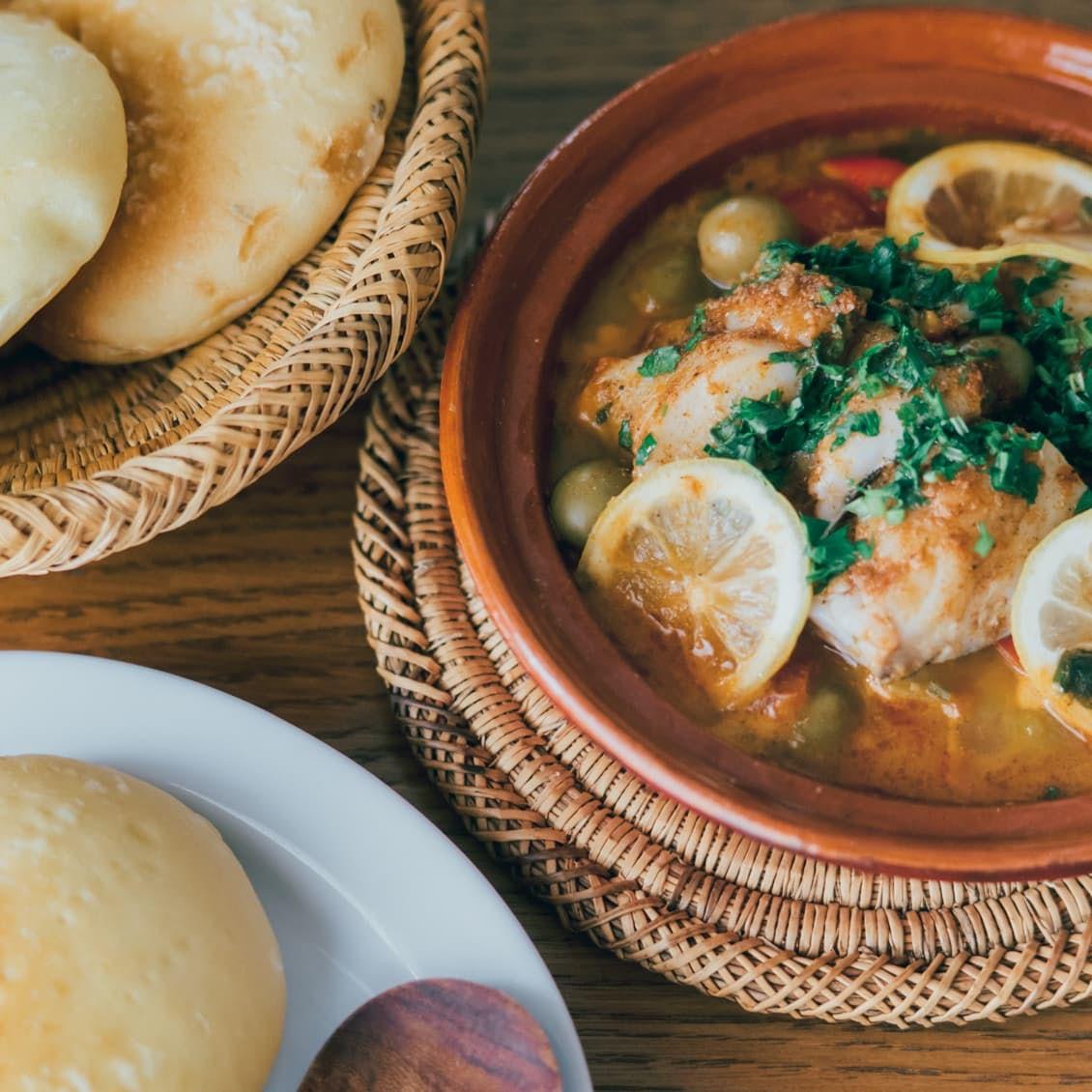 【とっておきの休日を過ごすなら】第2話:鍋ひとつで、本格的なエスニック料理。家で異国気分を味わえる「魚のタジン」
