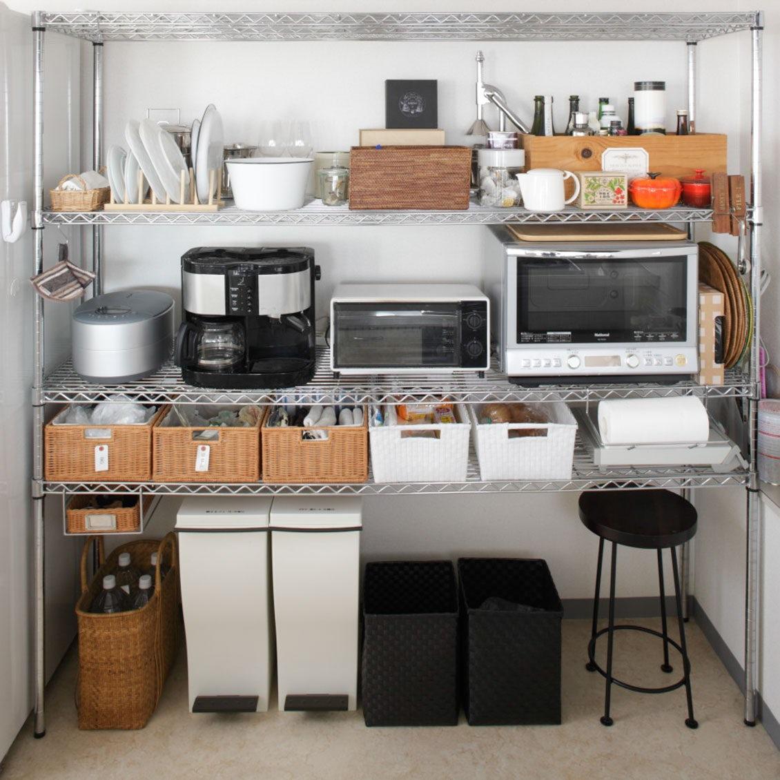 【スチールラック収納】キッチンをスッキリ見せる、スチールラックを使った整理収納術