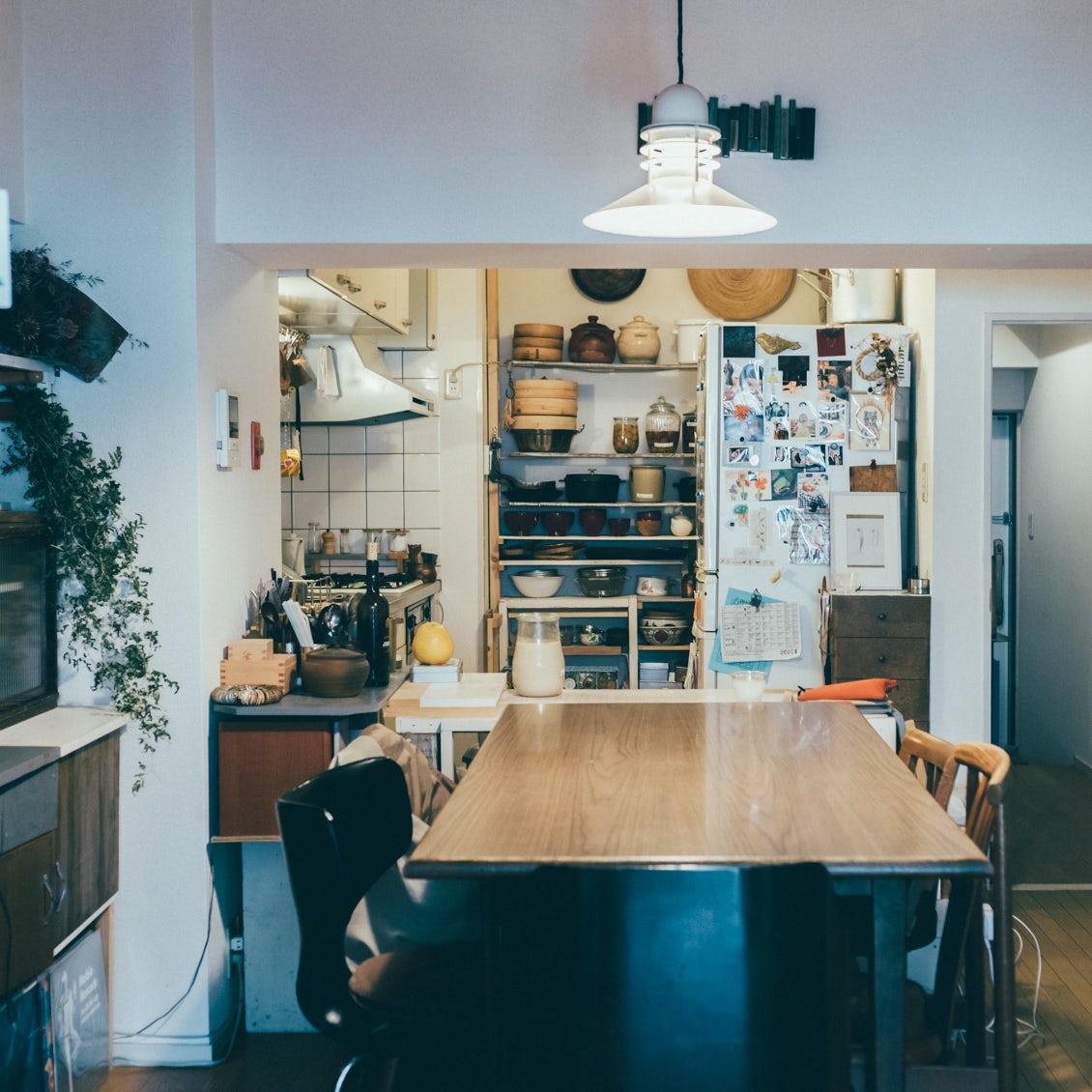 【フィットする暮らし】後編:築40年の賃貸マンション。I型キッチンを使いやすく徹底カスタマイズ(暮らし家・塩山奈央さん)