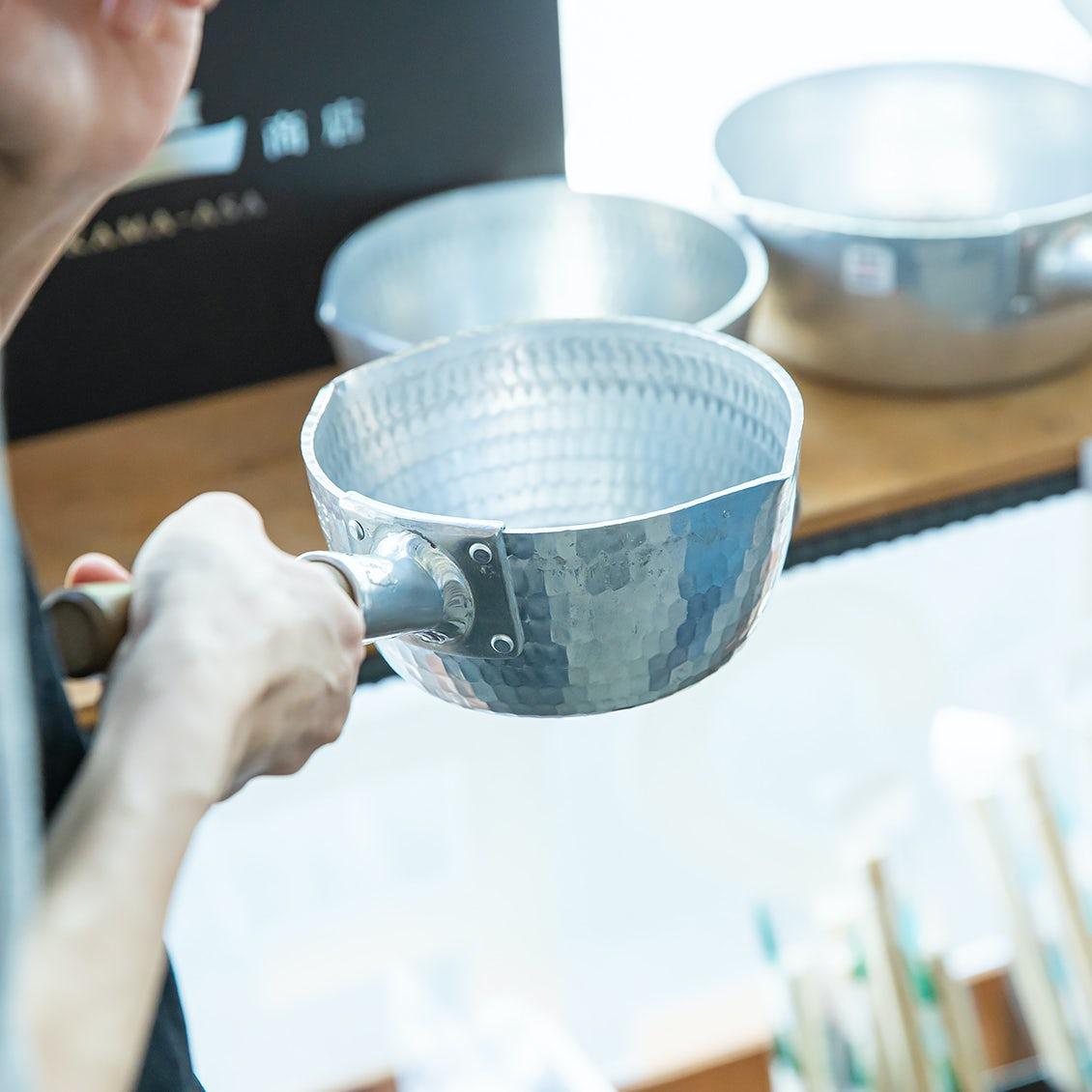 【台所道具のいろは】鉄フライパン&行平鍋編: どうして良いの?お手入れは大変?  憧れ道具の、ホントのところを聞きました