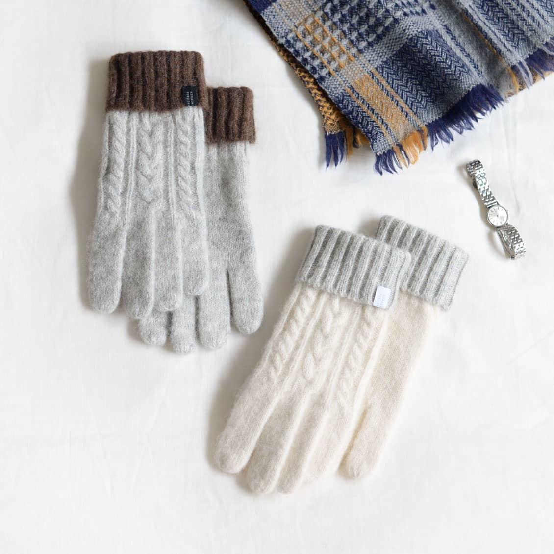 【新商品】冬の手もとが好きになる♪ 肌触りやわらかなケーブル編みのオリジナル手袋をつくりました。