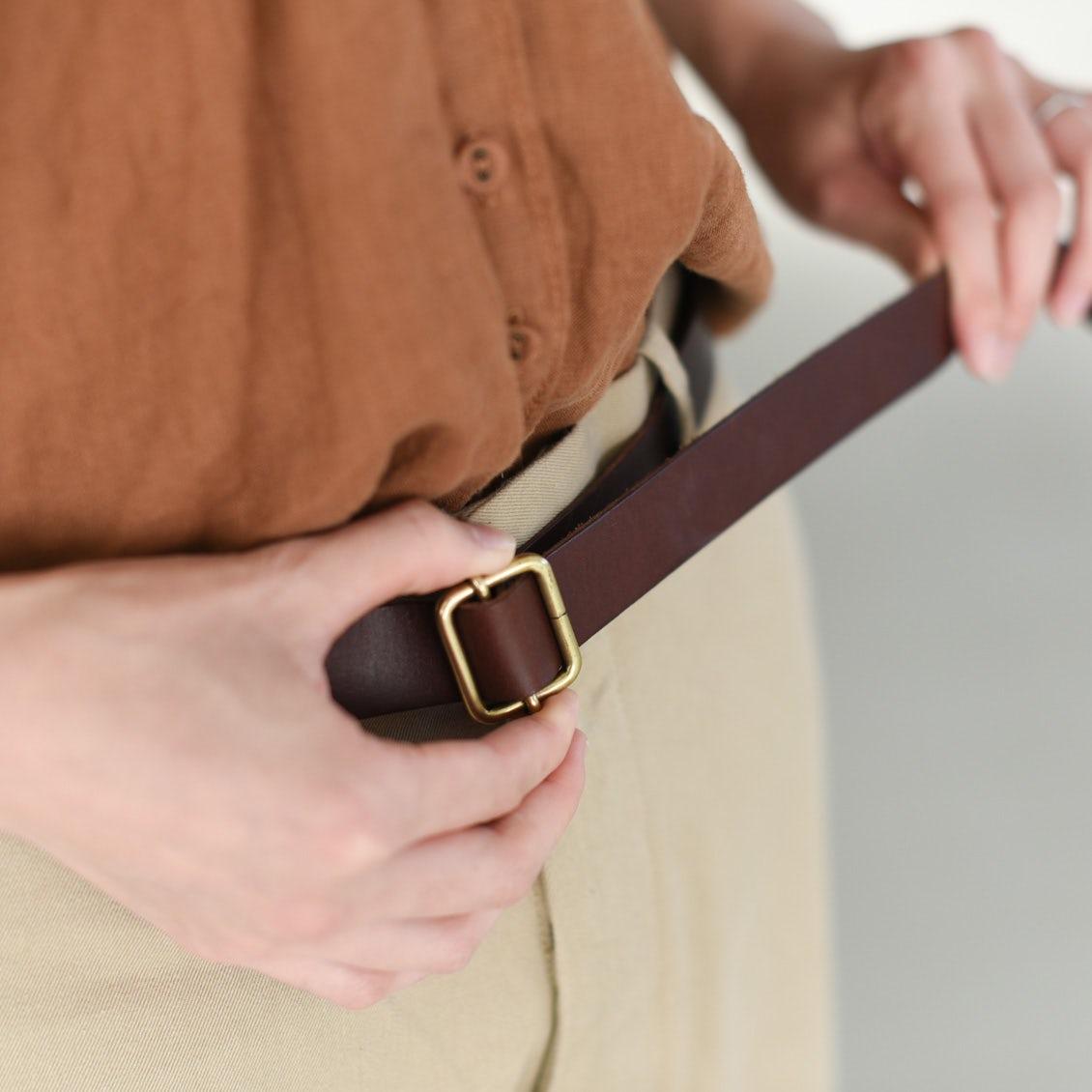 【スタッフの愛用品】ジャストサイズが嬉しい!着こなしの幅がぐんと広がる、本革のベルト