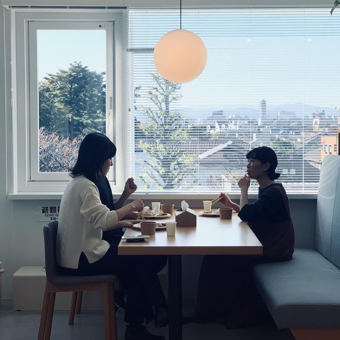 【クラシコムの社員食堂】秋の名残を献立に。栗ご飯と鯖の竜田揚げのお昼ごはん