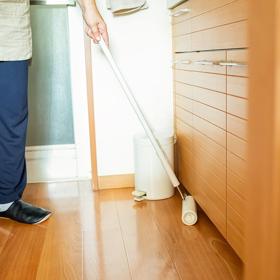 【フローリング掃除のツボ】キッチンの油汚れや洗面所の髪の毛。汚れの気になる場所も時短でキレイに!